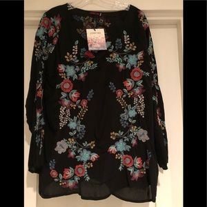 Johnny Was embroidered tunic. Size L